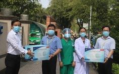 Sen Group tặng 50.000 khẩu trang y tế cho Bệnh viện Đại học Y dược TP.HCM