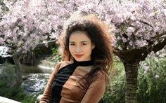 'Đừng yêu một mình' của Đồng Lan: Tình yêu có thể hàn gắn những vết thương sâu