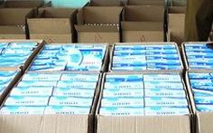 Phát hiện xe cứu thương chở 7.500 khẩu trang do xưởng đóng giày sản xuất