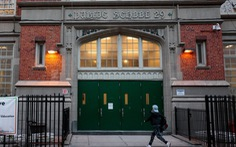 Thống đốc bang New York bác bỏ quyết định đóng cửa các trường công lập