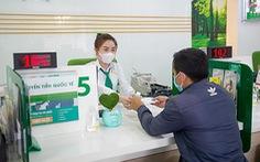 OCB tặng quà bảo vệ sức khỏe mùa dịch