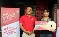100 khách hàng đầu tiên nhận quà tặng vàng từ Bia Saigon