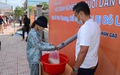 Tiền Giang có 'ATM' phát gạo, trứng, bột ngọt... miễn phí cho người nghèo