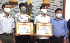 Trao tặng huy hiệu 'Tuổi trẻ dũng cảm' cho 3 thanh niên cứu người