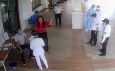 Khởi tố người đấm bảo vệ bệnh viện khi được đề nghị đo thân nhiệt