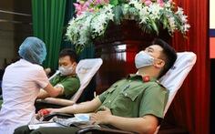 Nghe tin công an tổ chức hiến máu, người dân Đà Nẵng rủ nhau tham gia