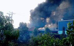 Cháy công ty chuyên sản xuất bao bì và may mặc ở Tiền Giang