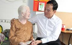 Lãnh đạo TP.HCM thăm cá nhân có thành tích tiêu biểu trong chiến dịch Hồ Chí Minh