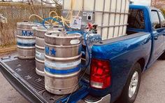 Mỹ: Hàng triệu bom bia không biết đổ bỏ đi đâu