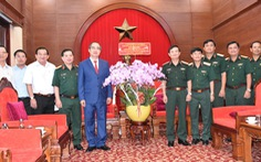 Lãnh đạo TP.HCM thăm Quân khu 7 và các Anh hùng lực lượng vũ trang nhân dân
