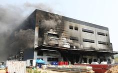 Cháy nhà kho đang xây dựng, ít nhất 38 người thiệt mạng