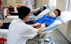 'Ngày đầu cách ly xã hội, tôi đi hiến máu'