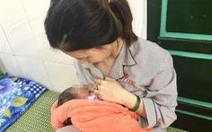 Sinh bé gái 2,9kg tại khu cách ly