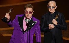 Giữa mùa corona, danh ca Elton John ủng hộ 1 triệu USD chống… HIV/AIDS