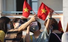 Hàng trăm người hoàn thành cách ly tại Cần Thơ được xe đưa về TP.HCM