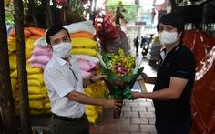 Báo Tuổi Trẻ trao danh hiệu 'Bạn đồng hành quanh tôi' cho chủ nhân 'ATM gạo'