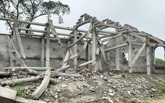 Dân tháo dỡ chùa Linh Sâm 'triệu đô' xây 'chui' trên đất di tích quốc gia