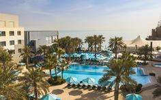 Dân Kuwait phàn nàn 'phục vụ lau vết cà phê quá chậm' khi cách ly trong khách sạn 5 sao