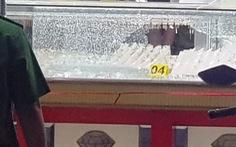 Truy bắt hai thanh niên dùng búa, xịt hơi cay cướp tiệm vàng táo tợn ở TP.HCM