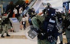 Cảnh sát Hong Kong bắt 230 người biểu tình giữa dịch COVID-19