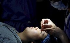 'Tận dụng' dịch COVID-19 đi phẫu thuật thẩm mỹ, bác sĩ Nhật kêu gọi 'kiềm chế đi'