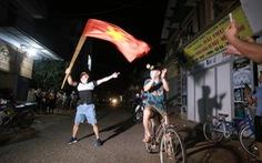 Hà Nội dỡ bỏ phong tỏa thôn Đông Cứu, người dân 'mừng như giao thừa'