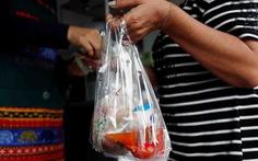 Lo chống COVID-19, mỗi ngày con người thải thêm hàng ngàn tấn rác nhựa