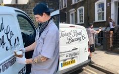 'Quán bia di động' phục vụ tận nhà gây sốt tại London