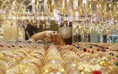 Giá vàng 'gục ngã' trước ngưỡng 50 triệu đồng/lượng