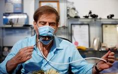 Israel sáng chế khẩu trang đặc biệt giúp ăn uống không lo lây virus