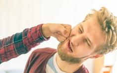 Đàn ông mọc râu là để giảm đau khi... bị đấm vào hàm