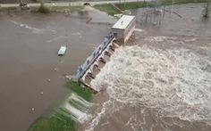 Vỡ cùng lúc 2 đập, 10.000 người Mỹ sơ tán vì lụt 'lịch sử'  ở Michigan