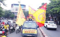 Cổ động viên thành Nam xuống đường cổ vũ trận Nam Định - Hoàng Anh Gia Lai