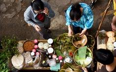 Chợ quê sáng chủ nhật đủ các món hàng dân dã hiếm có giữa trung tâm Sài Gòn