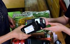 Người Việt Nam ngày càng mang theo ít tiền mặt hơn
