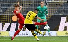 'Siêu phẩm' lốp bóng của Kimmich giúp Bayern Munich đánh bại Dortmund