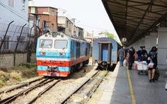 Đường sắt giảm sâu giá vé, có tuyến giảm một nửa để hút khách