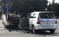 Hai xe chở 7 trẻ em đụng nhau giữa ngã tư, 7 người bị thương
