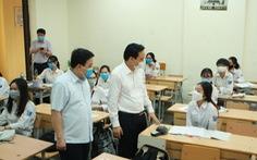 Bộ trưởng Phùng Xuân Nhạ: 'Có thể để một số nội dung dạy học sang đầu năm học mới'