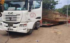 Xe tải chở tàu gây kẹt xe đã đi khoảng 90km trước khi bị tạm giữ