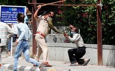 Hàng trăm cảnh sát Ấn nhiễm COVID-19, nhiều người khác xin nghỉ vì sợ