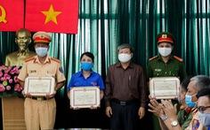 Khen thưởng đột xuất 3 đơn vị có thành tích tốt trong việc chống 'đinh tặc'