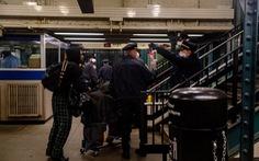 Khoảnh khắc chưa từng có trong lịch sử 115 năm của tàu điện ngầm New York
