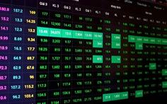 Tiền ào ạt vào chứng khoán, VN-Index lấy lại những gì đã mất trong 2 tháng qua