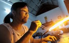Đỏ lửa giữ nghề thổi thủy tinh ở thủ đô