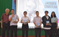 Sinh viên tưởng nhớ nhà hải dương học Jacques Cousteau
