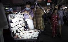Thủ tướng Trung Quốc gây tranh cãi vì kêu dân thất nghiệp bán hàng rong