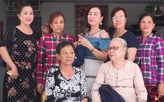 Ngỡ đã chết 50 năm trước, người em gái bất ngờ tìm về đoàn tụ cùng gia đình