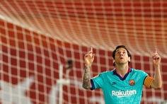 Ngày đầu tiên trở lại, Messi ghi bàn, kiến tạo và Barcelona đại thắng
