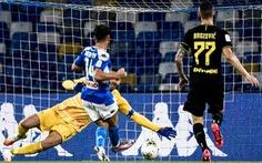 Mertens phá vỡ kỉ lục ghi bàn đưa Napoli vào chung kết gặp Juventus